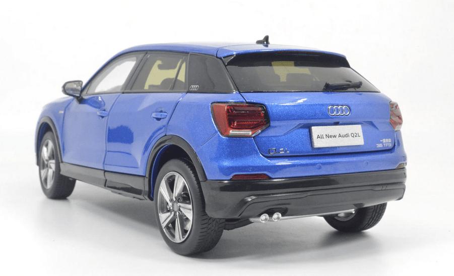 Audi Q2L Paudi bleu arrière