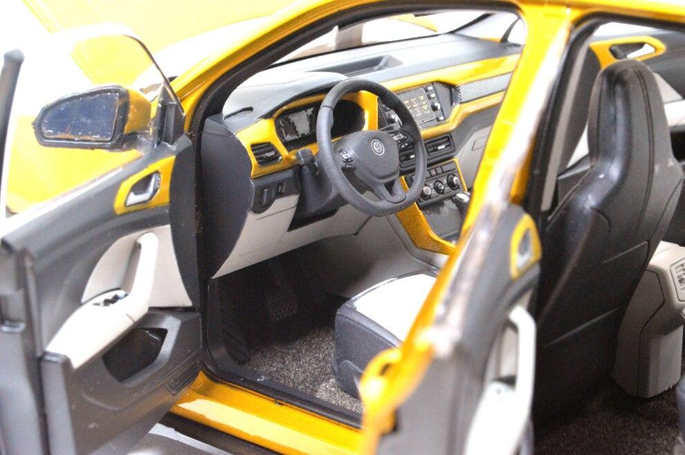 Volkswagen T-Cross 1/18 intérieur
