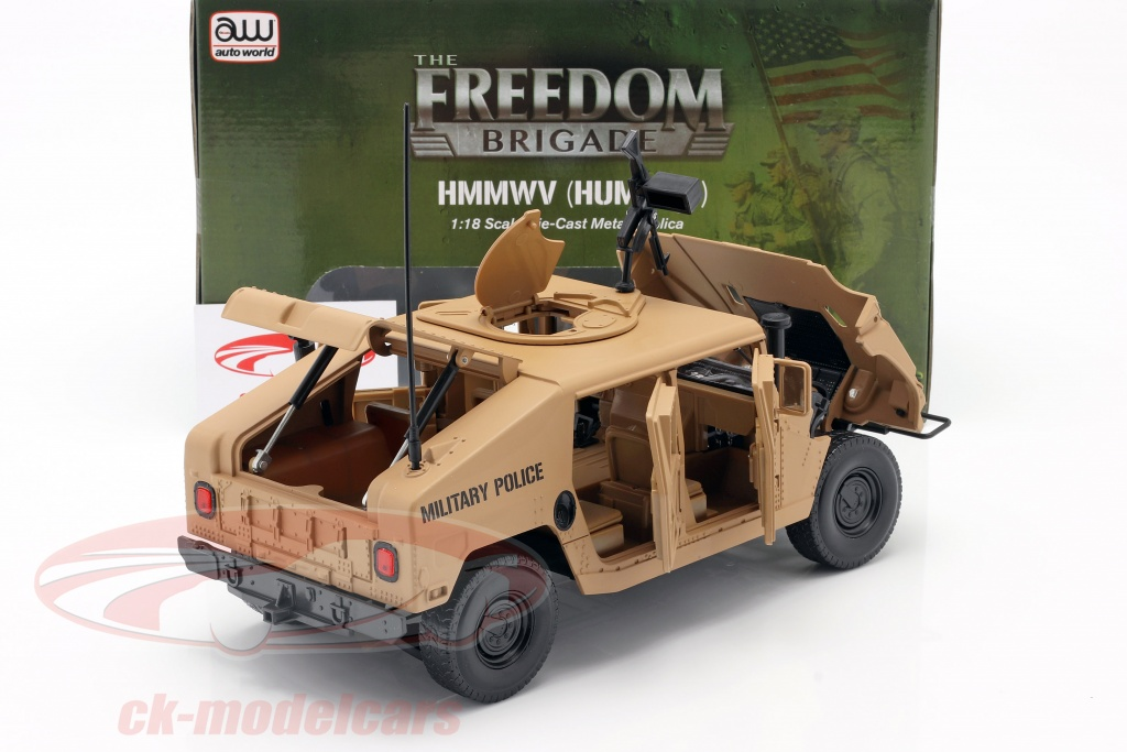 Ouvrants Humvee R2 de Autoworld au 1/18