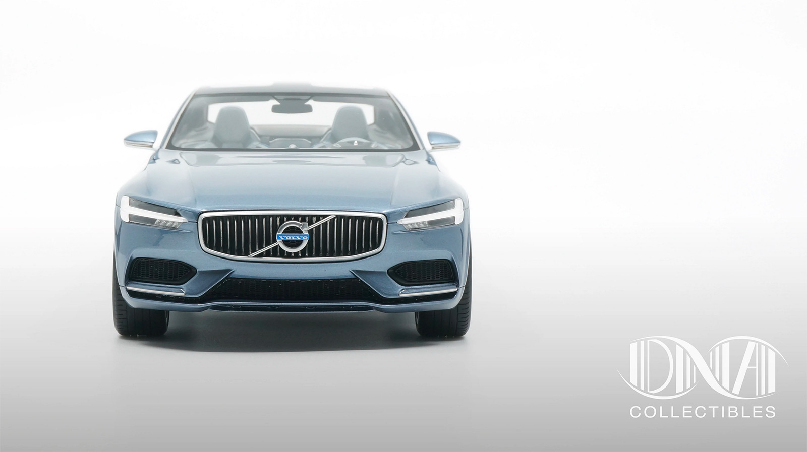 Vue avant de la Volvo Concept Coupé DNA Collectibles 1/18