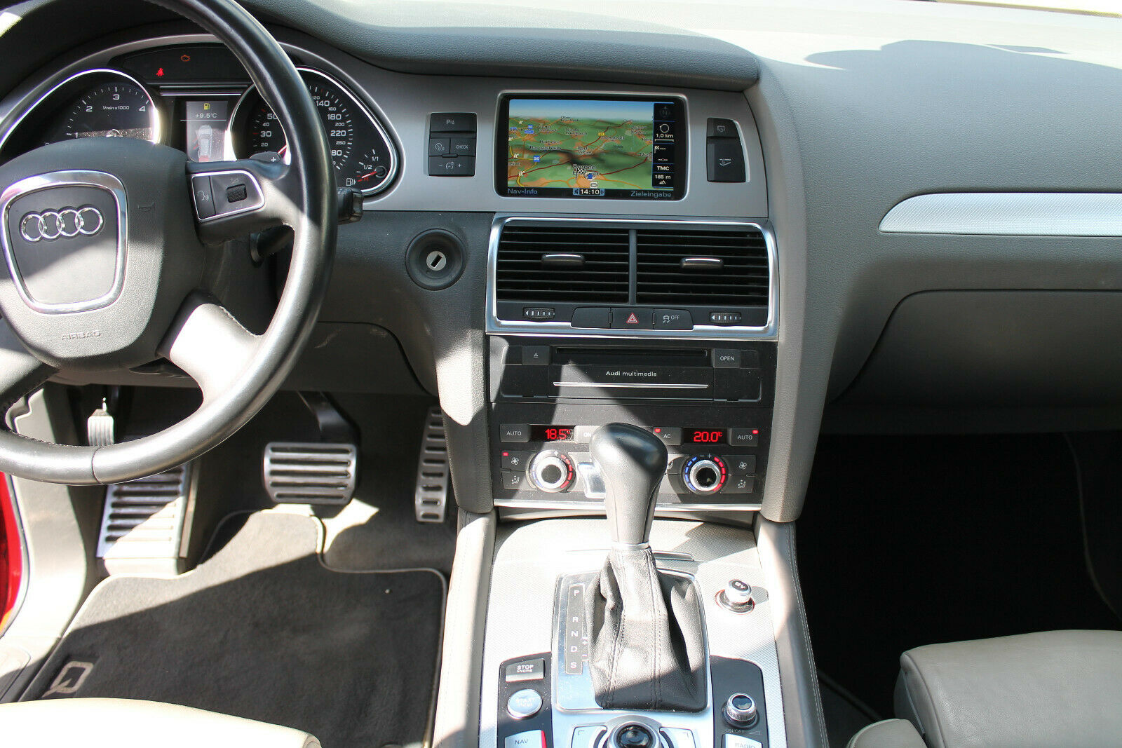 Audi Q7 V12 TDI console centrale