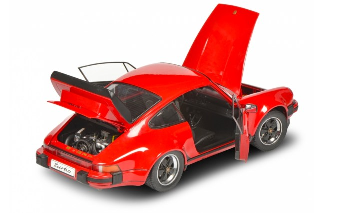 Porsche 911 (930) Turbo Schuco 1/12 ouvrants