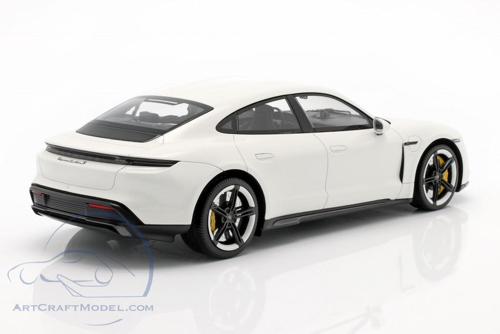 1/18 Porsche Taycan Turbo S Minichamps