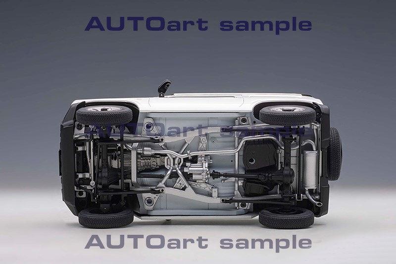1/18 Suzuki Jimny AUTOart châssis