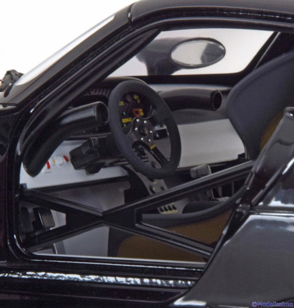 89770 Porsche 911 (996) GT1 AUTOart