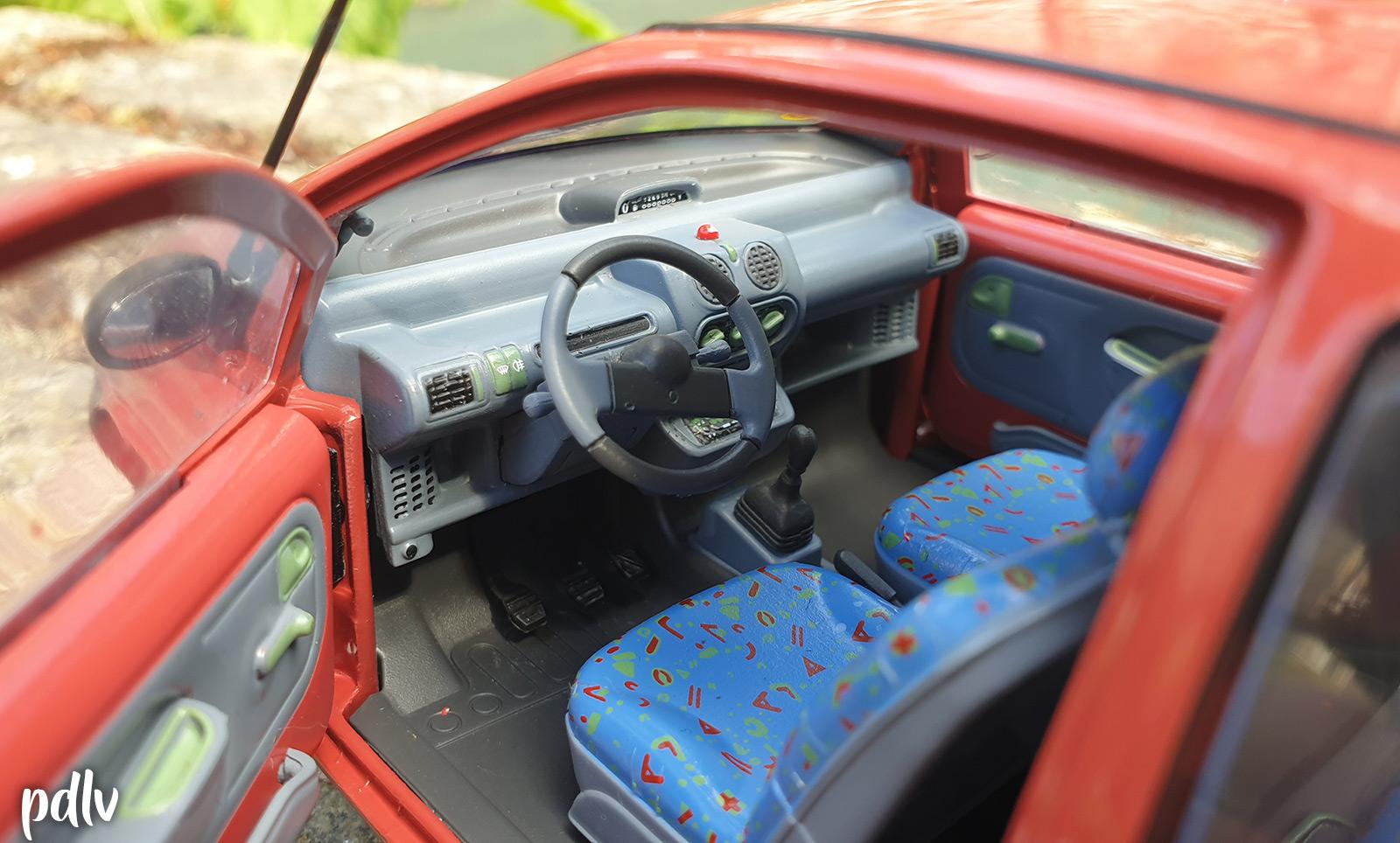 Habitacle de la Renault Twingo 1 Solido