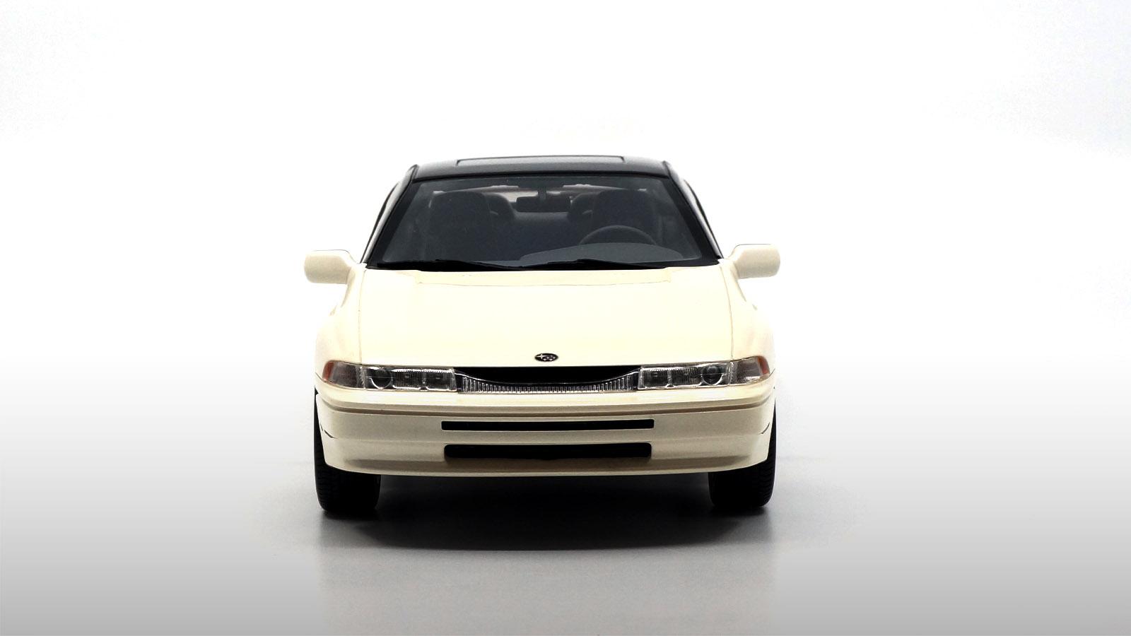 1/18 Subaru Alcyone SVX avant