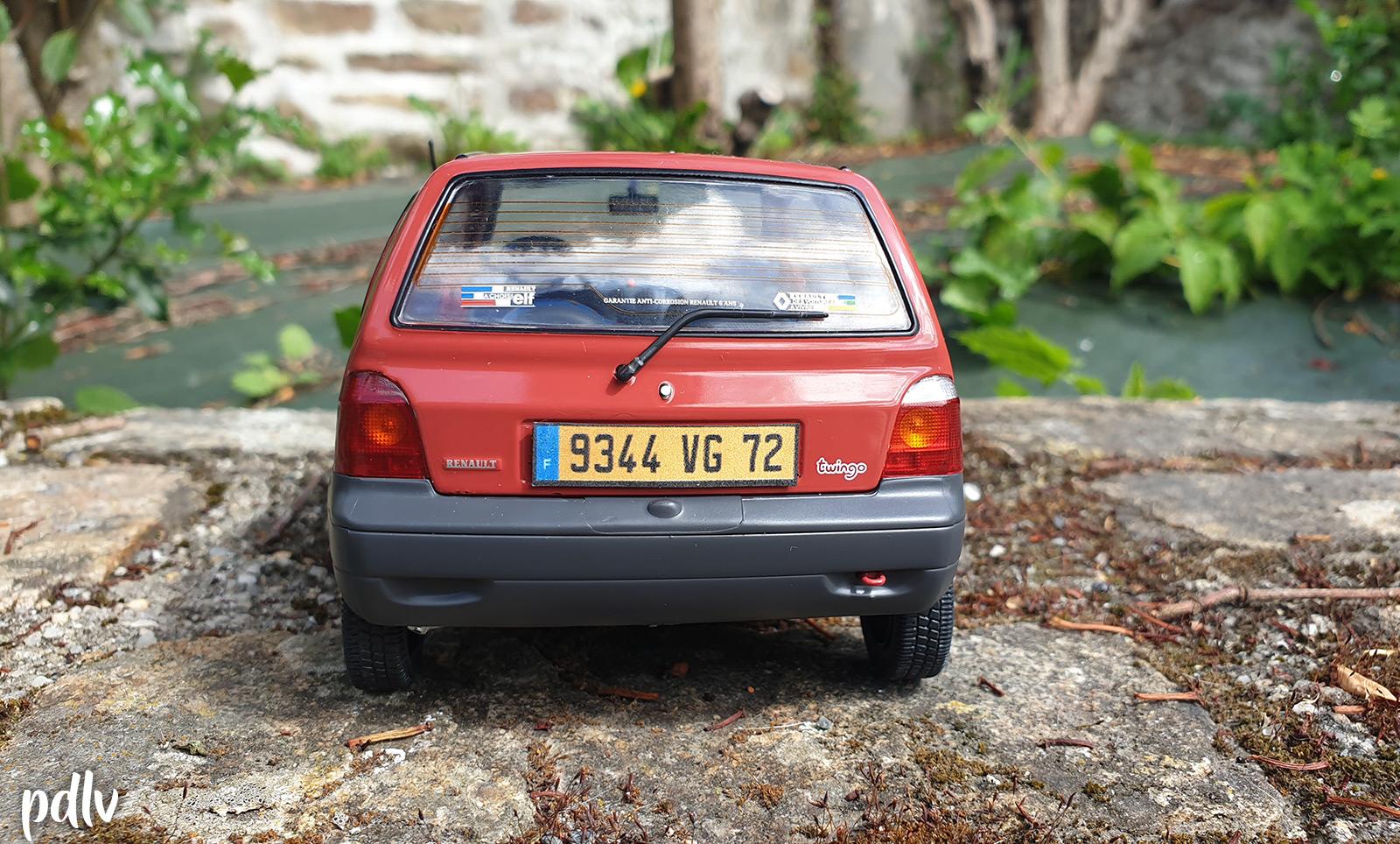 Arrière de la Renault Twingo 1 Solido au 1/18
