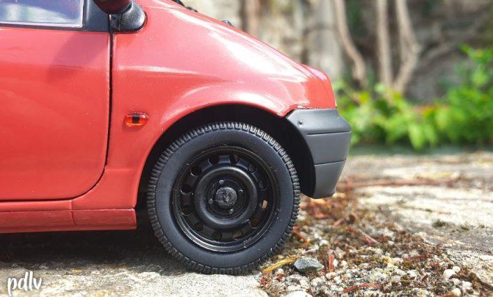 Renault Twingo 1 Solido avec enjoliveur enlevé