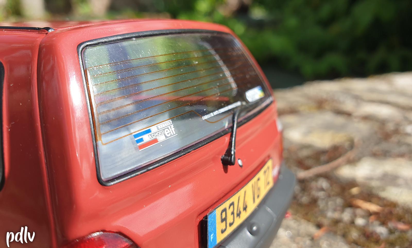 Stickers arrière de la Renault Twingo 1 Solido