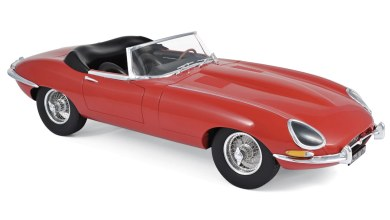 Photo of 1/12 : La Jaguar Type E cabriolet arrive chez Norev