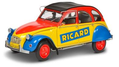 Photo de 1/18 : Voici la Citroën 2CV Ricard de Solido !
