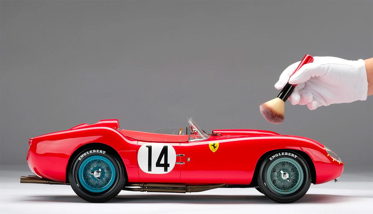 Profil de la Ferrari 250 TR Amalgam au 1/18