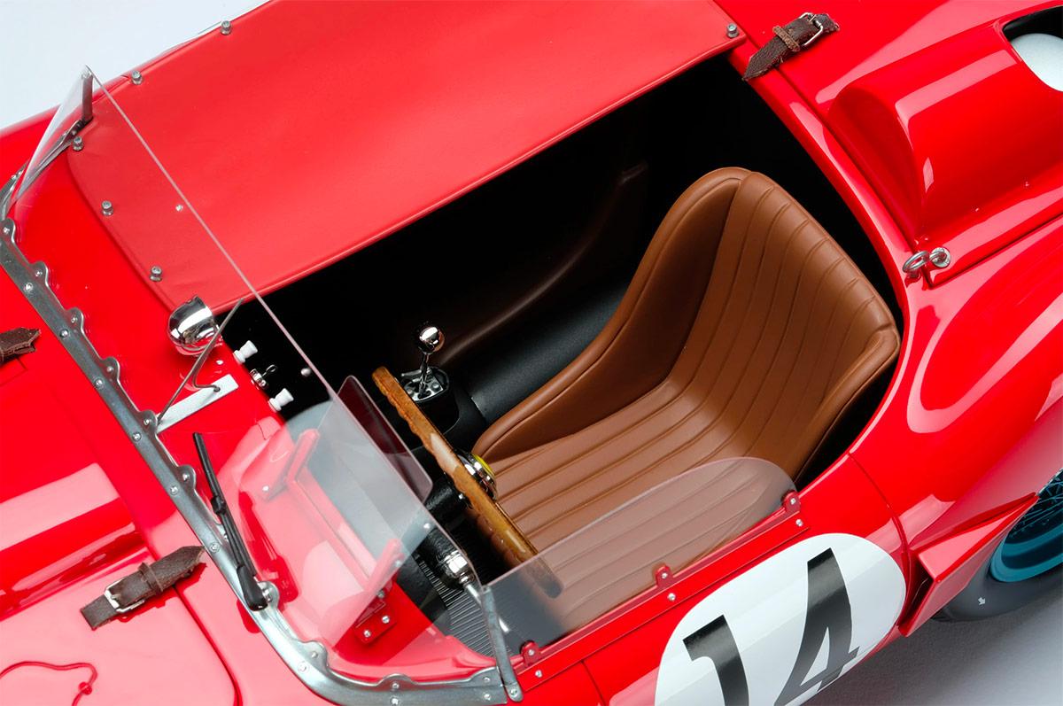 Siège de la Ferrari 250 TR Amalgam au 1/18