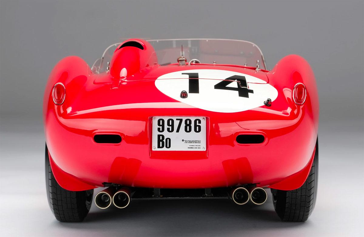 Arrière de la Ferrari 250 TR Amalgam au 1/18