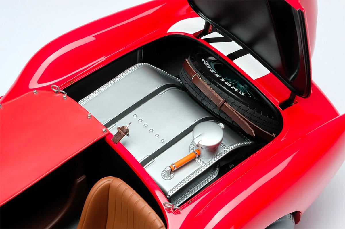 Réservoir de la Ferrari 250 TR Amalgam au 1/18