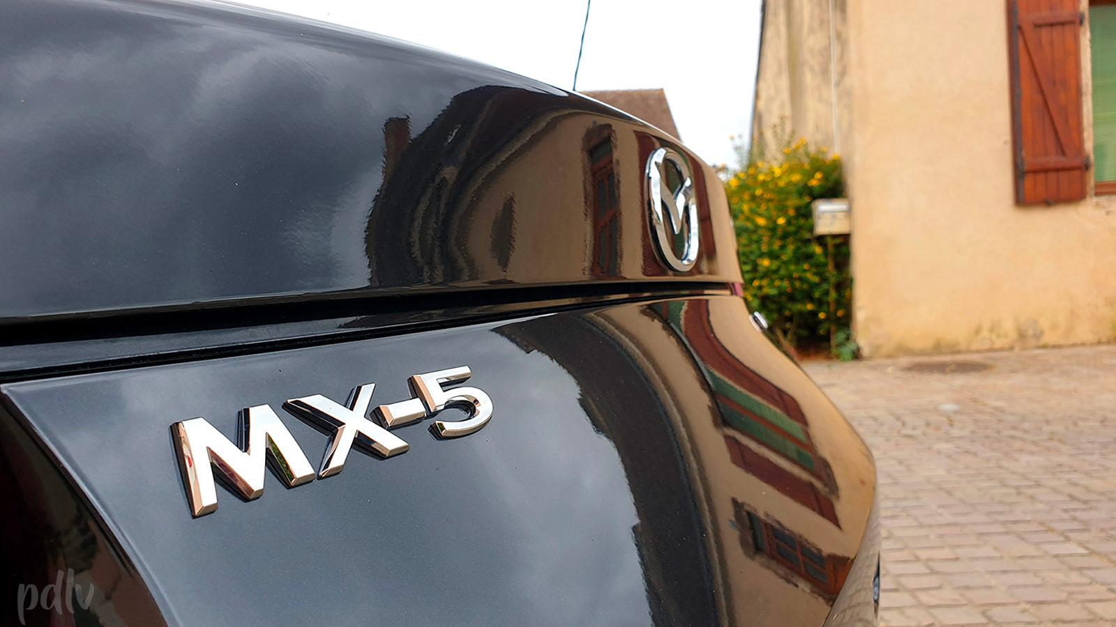 Logo Mazda MX-5 malle de coffre