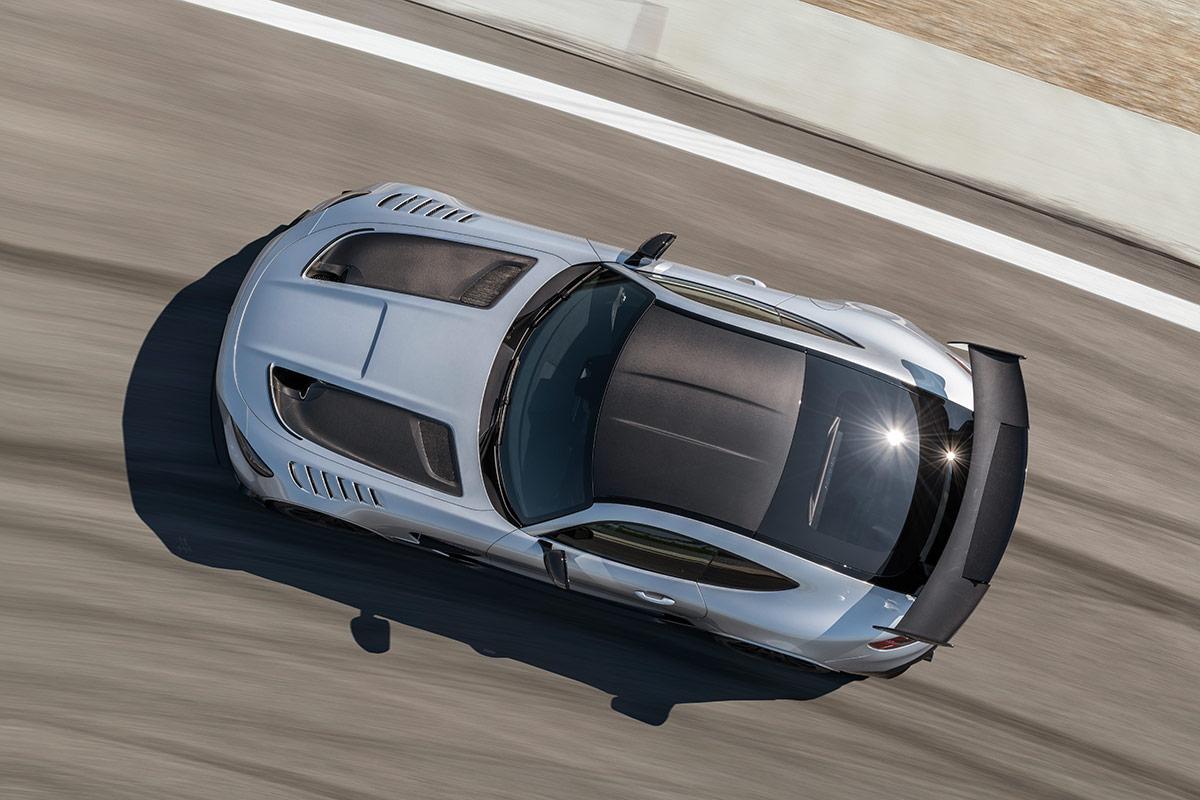Vue du toit de la Mercedes AMG GT Black Series