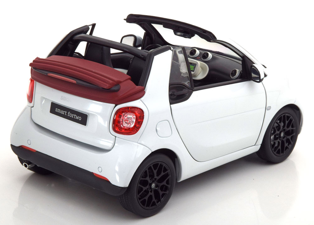 1/18 Smart Fortwo Norev ouvrants