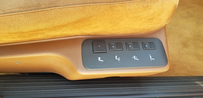 Sièges Lancia Thema 8.32