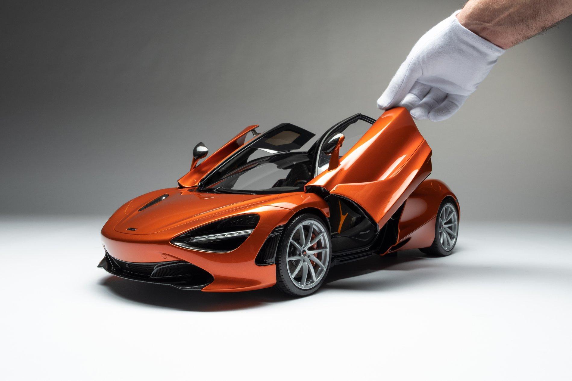 1/8 McLaren 720S Amalgam ouvrants
