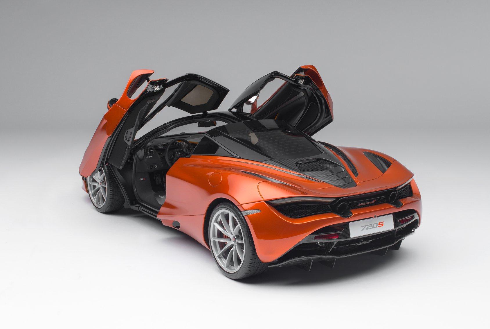1/8 McLaren 720S Amalgam arrière