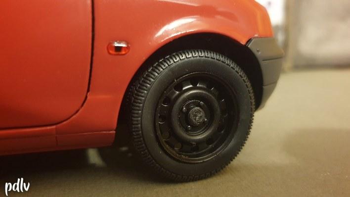 Retirer enjoliveur Renault Twingo Solido