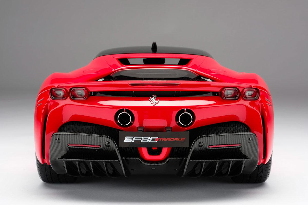 Arrière Ferrari F90 Stradale Amalgam