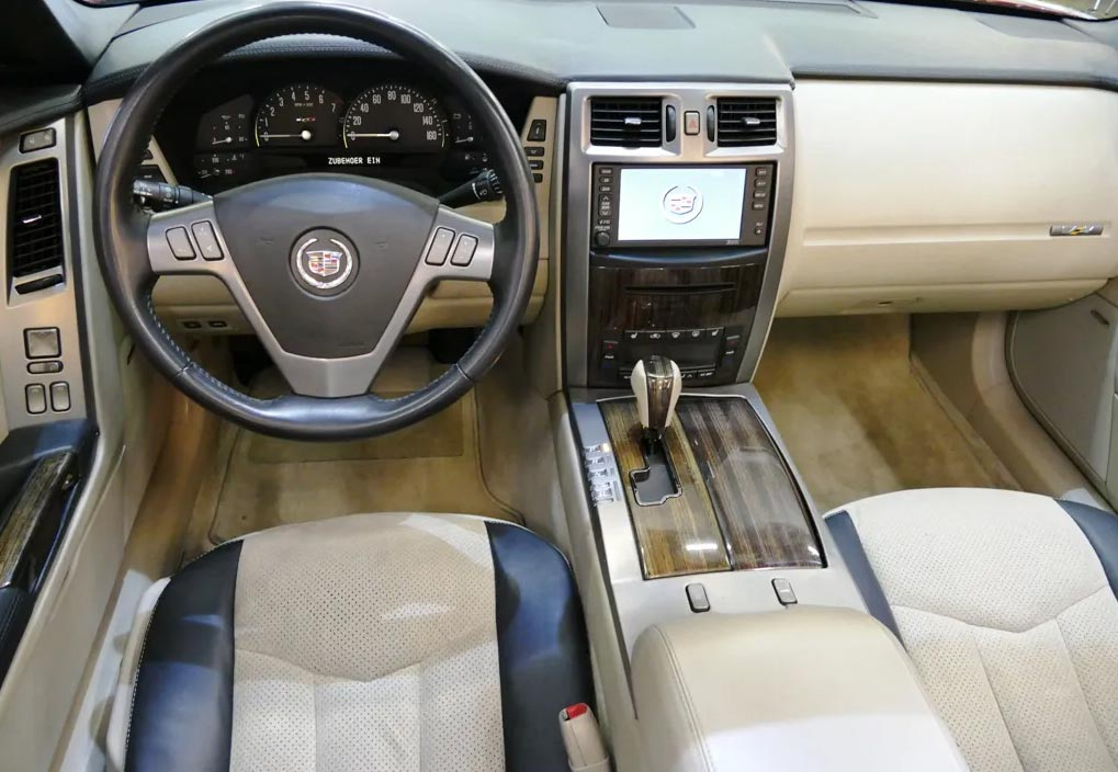 Cadillac XLR-V volant