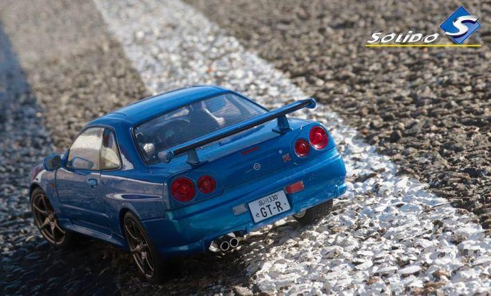 S1804301 Nissan Skyline Solido