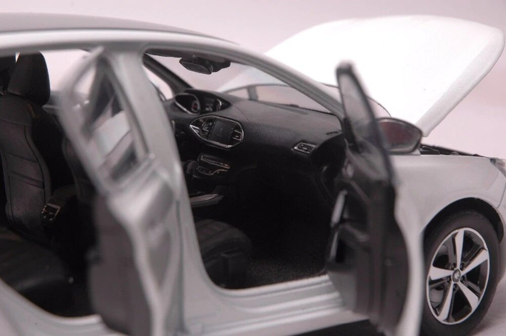 1/18 Peugeot 308 2015 intérieur