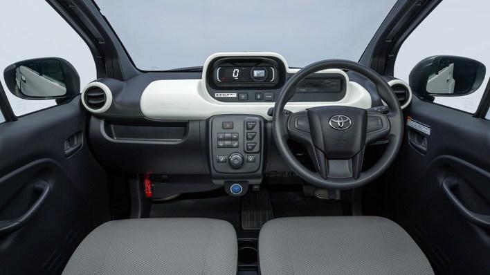 Tableau de bord Toyota C+pod