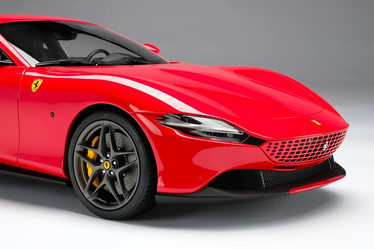 1/8 Ferrari Roma avant
