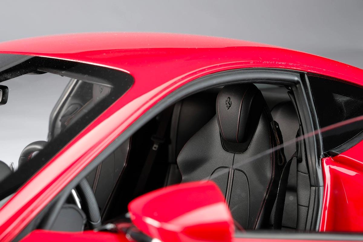 1/8 Ferrari Roma sellerie