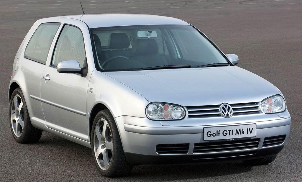 1/18 Volkswagen Golf 4 GTI Norev