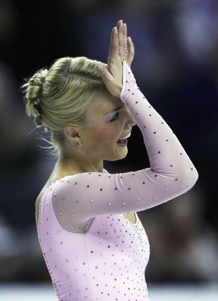 Kiira Korpi In World Figure Skating Championships 2006 Calgary9