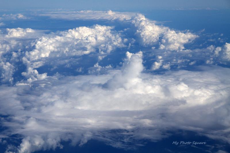 雲を上から見たら : My Photo Square
