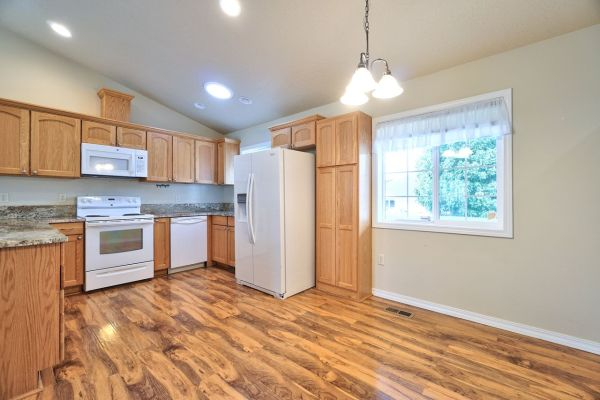 Greg Anderson's listing at 162 SW Valleys Edge St, McMinnville, OR