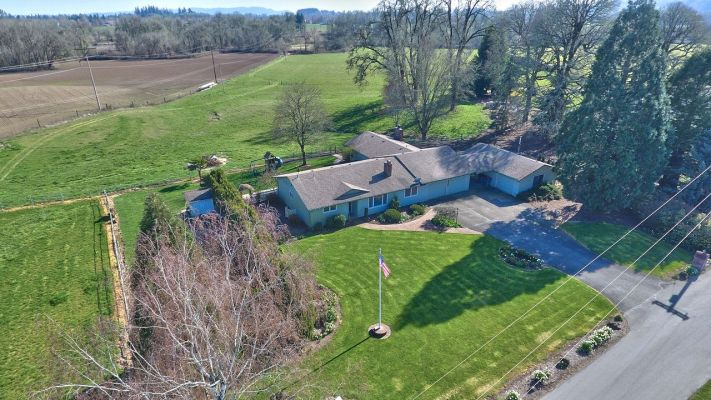 Greg Andesron's listing at 10715 NW Brentano Ln, McMinnville, OR