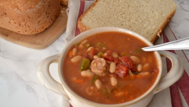A delicious crock pot chili with bratwurst -- full of flavor and mild enough that kids will love it!