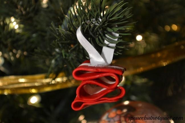 ribbon ornament 1