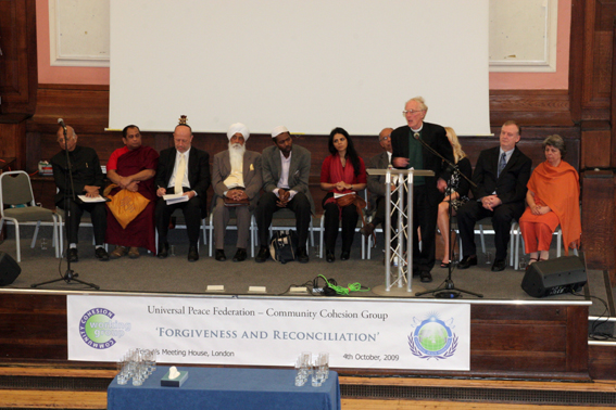 Rev Dr Marcus Braybrooke Reporting on the Morning Conference