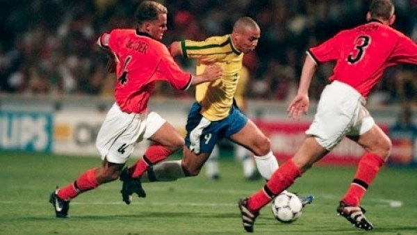 Ronaldo Epic Run vs Holland ( World Cup 1998 Semi-Final)