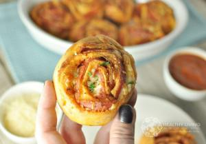 These Pepperoni Pizza Pinwheels are a fun way to enjoy a low carb pizza. All of the classic, cheesy goodness without the gluten and carbs.