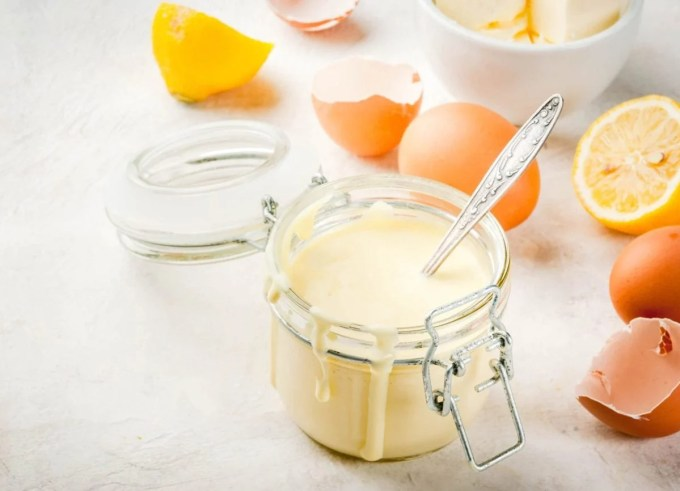 Keto Hollandaise Sauce - Peace Love and Low Carb