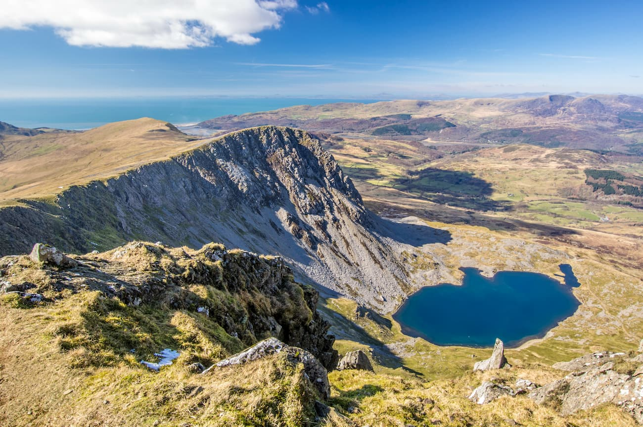 The walk up the north side of cadair idris by the pony path and down the south side by the minffordd path was brilliant, a walk up a special mountain on a. Snowdonia National Park
