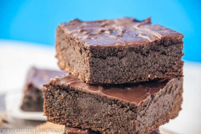 The Ultimate Healthy Brownie {No Beans, No Oil, No Flour, No Butter and Still FUDGY}