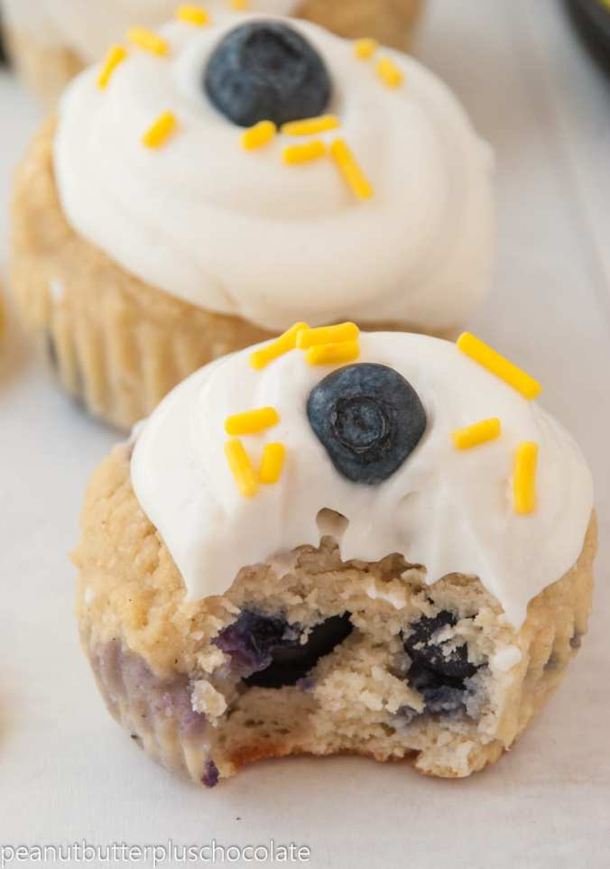 blueberry-lemon-cupcakes3