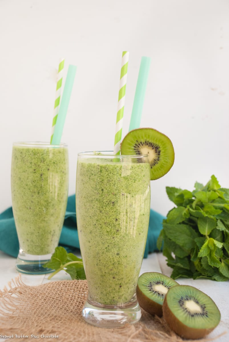 Healthy Super Green Chia Seed Protein Smoothie