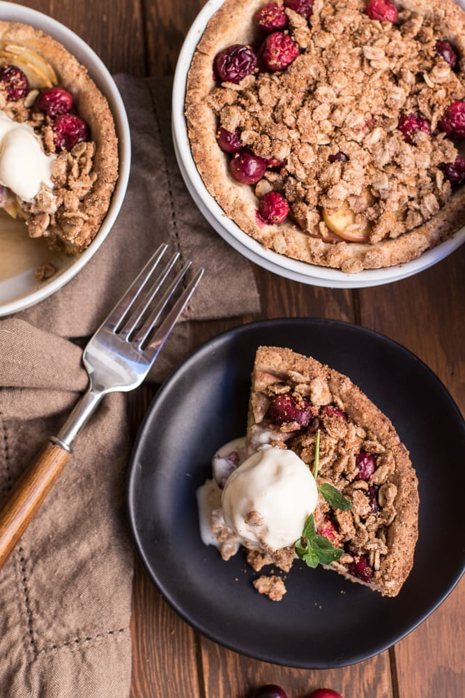 Healthy Cranberry Apple Crumble Pie